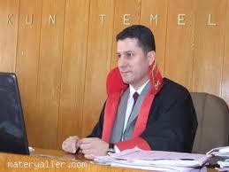Hakim (Yargıç)