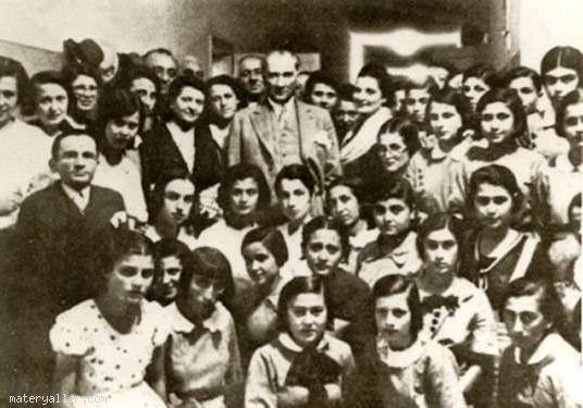 İsmet Paşa Kız Enstitüsünde