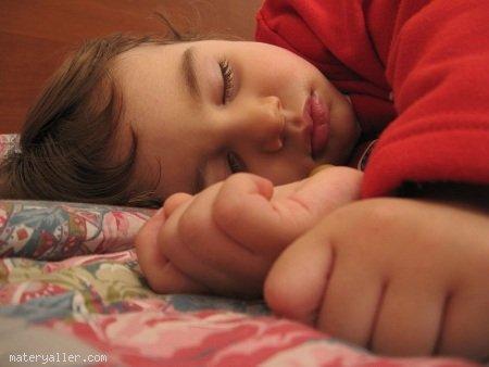 Çocukların Düzenli Yatma Saatinin Ayarlanması
