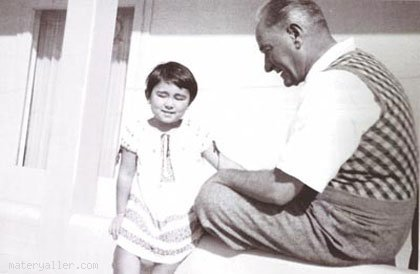 Atatürk Ve Atatürk'ün Çocuk Sevgisi