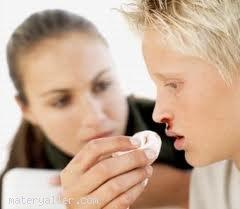 Burnunuz kanadığında nasıl durmanız gerekir?