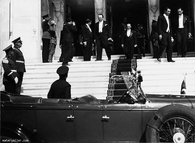 Siyah Beyaz Atatürk Fotoğrafı
