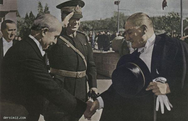 1936 - Başbakan İnönü ve Mareşal Fevzi Çakmak tarafından karşılanışı