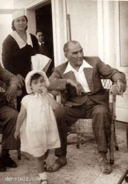 Cumhurbaşkanı Atatürk küçük Ülkü ile Florya'da