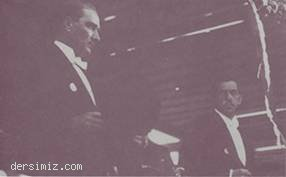 1925 - Cumhuriyet Bayramı töreninde T.B.M.M. Başkanı Kazım Özalp ile
