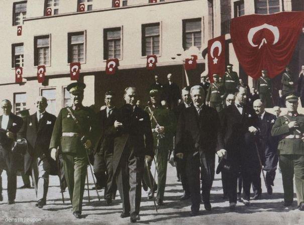 1931 - Genelkurmay ve Milli Savunma Bakanlığı binasının hizmete açılmış töreninde