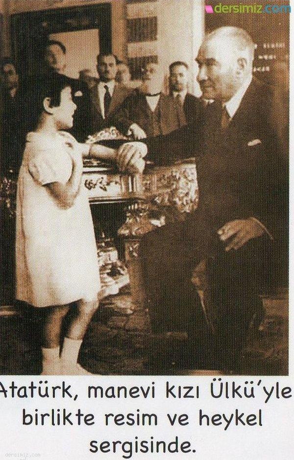 Atatürk Resim ve Haykel Sergisinde