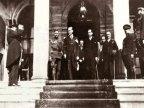 1933 - Cumhuriyet'in onuncu y�l� kutlamalar�na giderken