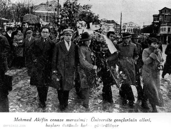 Mehmet Akif Ersoy'un Cenaze Merasimi