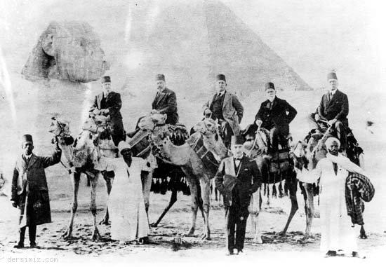 Akif, Mısırda. Soldan Sağa; Prens Abbas Halim