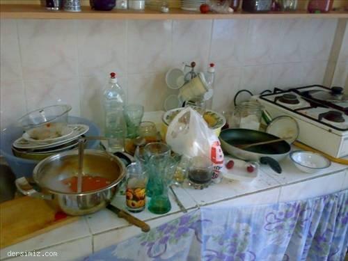 Mutfakta biri yok